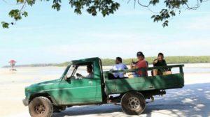 kedatangan ketua DPD RI Qesman Sapta Odang atau yang kita kenal OSO ke pulau Leebong Belitung