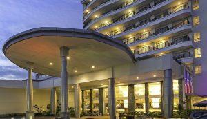 BW Suites Hotel tampak depan