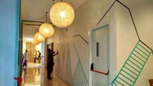Suasana La Lucia Boutique Hotel dengan desain interior yang menarik usai pembukaan pada Selasa.