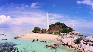 Keindahan Pulau Lengkuas yang menjadi Icon Wisata Belitung
