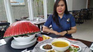 Set menu makan bedulang di Hotel MaxOne Belstar Belitung