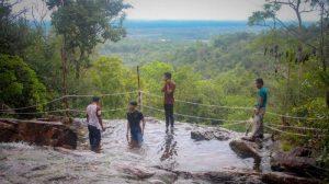 Wisata Air Terjun Gunung Kubing