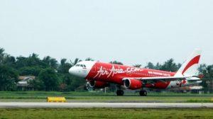 Manajemen Air Asia menyatakan siap melakukan penerbangan Jakarta-Tanjungpandan dan sebaliknya untuk menekan harga tiket pesawat ke destinasi wisata, Belitung