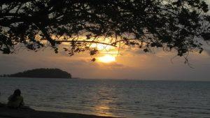 Menikmati matahari terbenam di Pantai Tanjung Pendam adalah anugerah yang langka kita bisa nikmati.