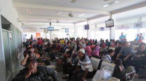 Penumpang Membludak di Bandara HAS Hanandjoeddin Tanjungpandan