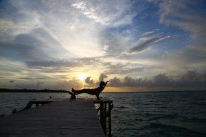 Cobalah anda bersantai di dermaga panjang kami, sambil menikmati sunset