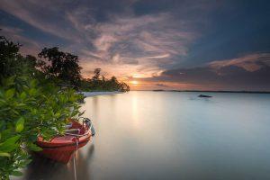 Sunset yang indah dan menenangkan di Pulau Leebong, Belitung