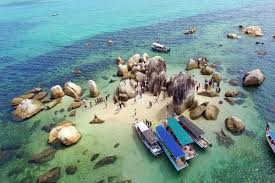 Hoping island dengan kapal nelayan
