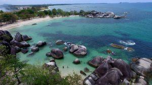 Pantai Tanjung Tinggi di Desa Ciput, Kecamatan Sijuk, Kabupaten Belitung