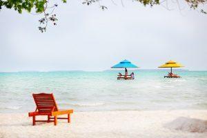Gazebo Laut yang membuat wisatawan merasa berada di suasana romantis