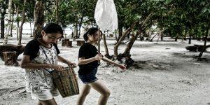 Nyuloh ikan adalah cara tradisional yang dilakukan masyarakat Belitung pada umumnya.